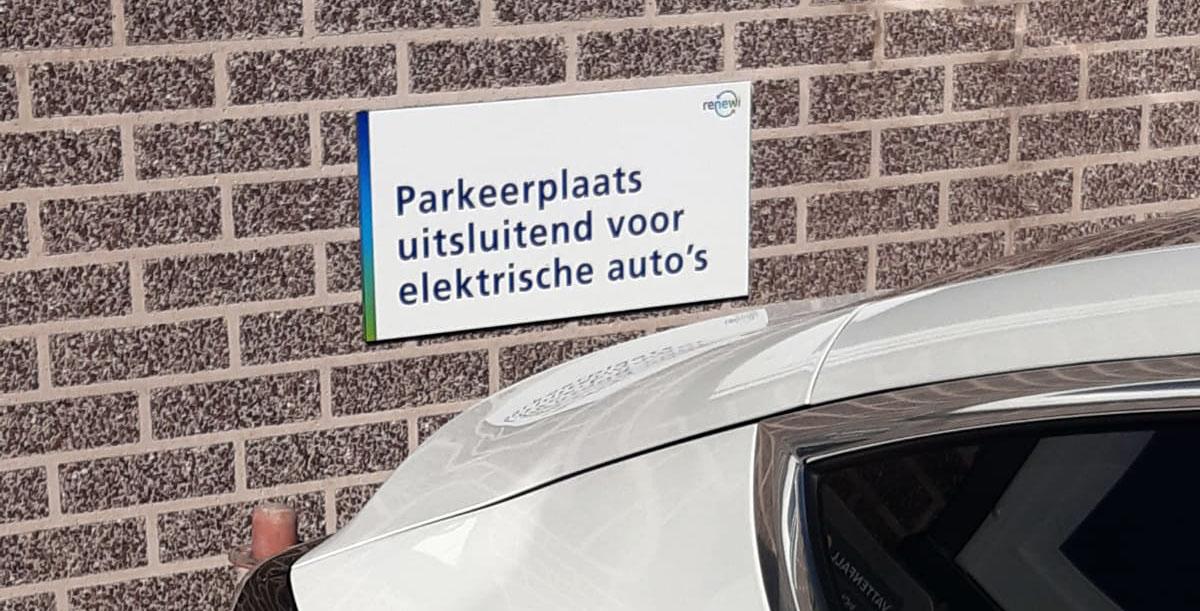 laadpaal parkeerbordjes
